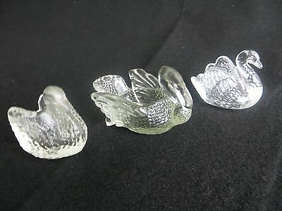 Lot Of 3 - Miniature Glass Swans - Small Clear Glass Swan Figurines