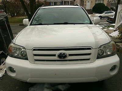 2007 Toyota Highlander  2007 Toyota Highlander 4wd drive in great condition!!!