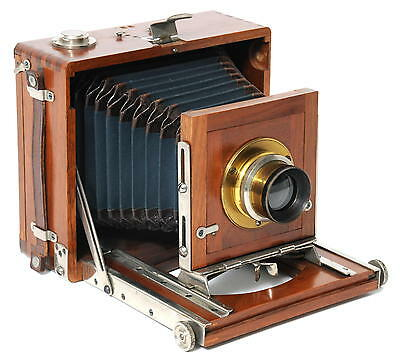 @ Old wooden folding hand camera w. extra rapid Weitwinkel Aplanat No.1