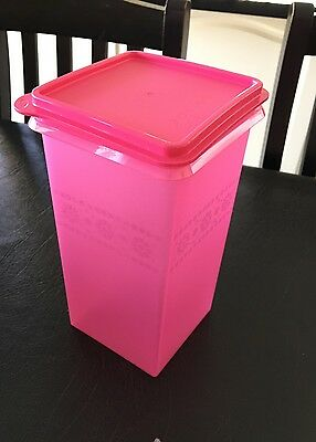 Tupperware Pink Saltine Keeper/canister