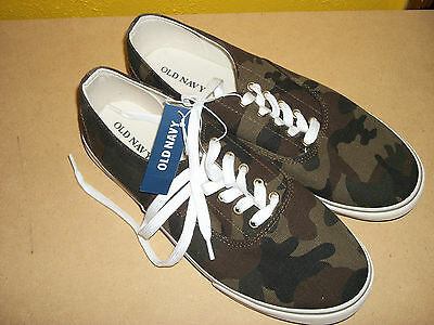 Men's Old Navy casual shoes, size 9 (NEW)