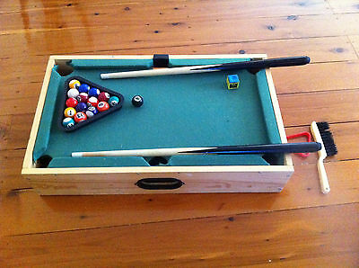 Wooden Mini Snooker Pool Billiard Table Game Kids and Family Fun  51 cm X 31 cm