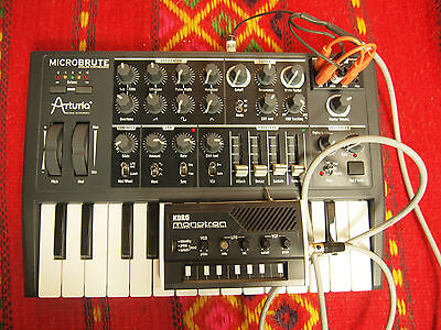 Arturia Microbrute Korg Monotron / Monohack 2 Synthesizer in one + Sequencer