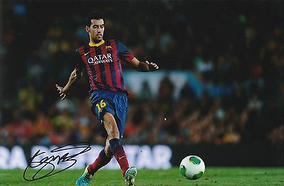 Sergio Busquets Barcelona Original Hand Signed Photo 12x8 With COA