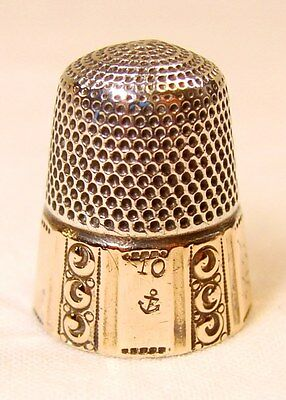 Antique Stern Bros. & Co. Gold Band Sterling Silver Thimble  Scrolled Columns