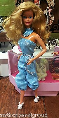 Superstar Era Barbie Blue Sparkly Jumper with shoes and necklace clothes lot