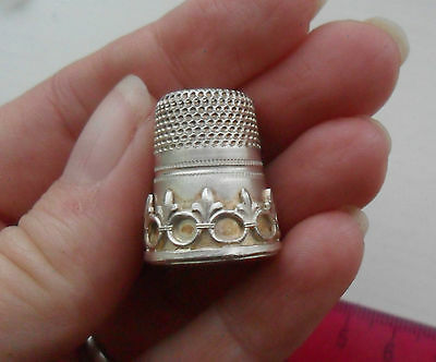Vintage silver 925  decorative thimble stamped 925S
