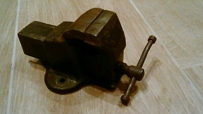 Small Cast Iron Bench Vice.