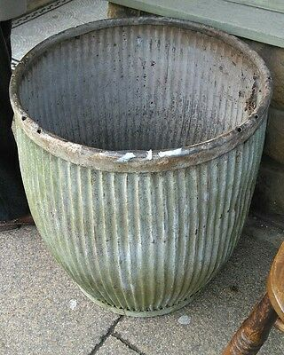 Vintage galvanised metal Dolly/Peggy tub/garden planter water tight