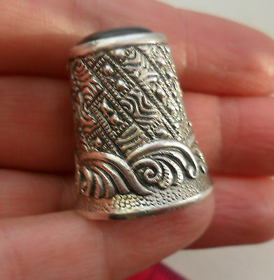 Vintage silver Whitby jet heavy and good quality thimble