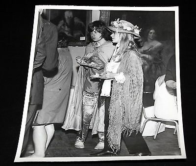 1967 THE ROLLING STONES Mick Jagger Marianne Frozen Out Of Party Press Photo