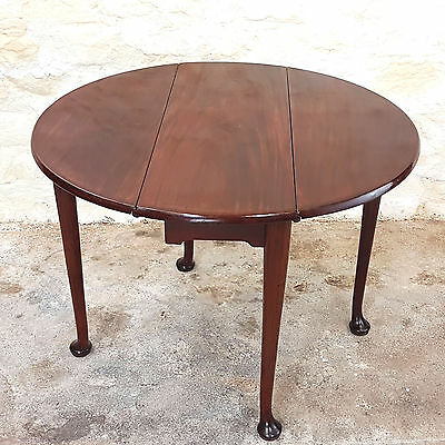 George III Small Mahogany Drop Leaf Pad Foot Supper Table C1780 (Georgian)