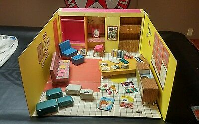 Vintage 1962 barbie dream house with furniture & accessories