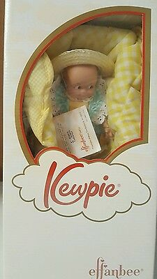 "8"" Effanbee Kewpie in Basket V3059Y01 Doll"