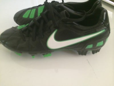 NIKE TOTAL90 Mens Football Boots  Mens Size US 7