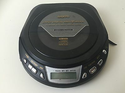 Sanyo CDP-565 Personal CD Player / Walkman - Tested And Working - Black