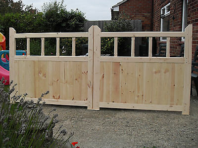 Wooden Garden Gates 4ft  x 11ft Driveway Gates With Spindles