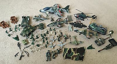 Huge Bundle Of Army War Planes, Figures And Tanks In Excellent Condition Toys