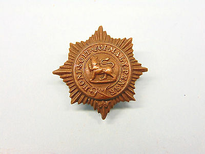 THE WORCESTERSHIRE REGIMENT,EARLY O/R s COLLAR BADGE .