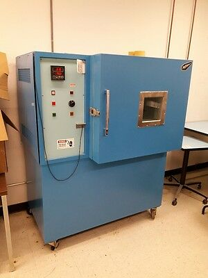 B-M-A AT-108XS Temperature Test Chamber: Tested and working -31.0°F to 338.0°F