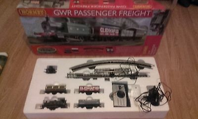 hornby gwr passenger train set and extras.