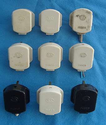 9x MK Bakelite Square Pin Plugs. As seen. Free P&P to UK