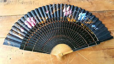 Beautiful Vintage hand painted Ladies Hand Fan, Perfect Working Order
