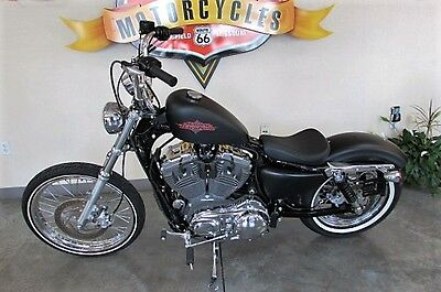 2014 Harley-Davidson Sportster  2014 Harley Davidson Seventy Two with only 1,457 miles