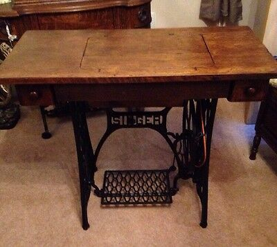 Vintage Singer Sewing Machine Treadle Table With Machine