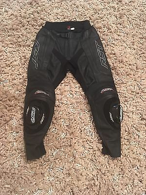 RST Blade Leather Trousers Jeans Pants 32 Waist Short With Knee Sliders