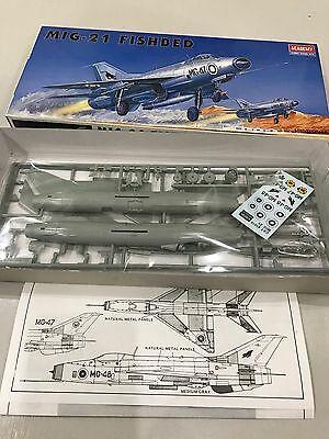VINTAGE ACADEMY MIG-21  FISHBED  1:72 scale  kit