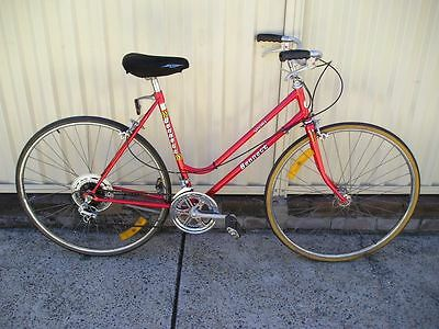 Vintage Retro Red Bennett Sport Ladies Womens Crusier Bike