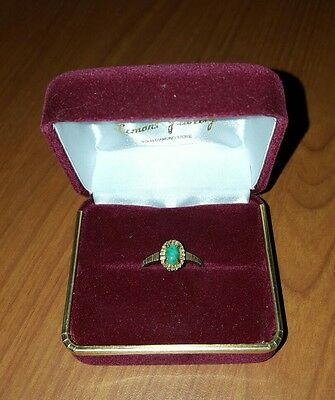10K Gold Ring with Green Stone Size 6 (2.0 grams)