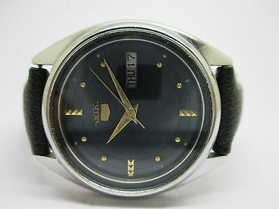 Vintage Men's Seiko 5 Automatic Day & Date Wrist Watch In Nice & Good Condition