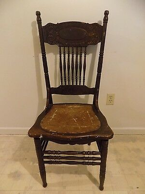 Antique Vintage Wooden Pressed Back Victorian Spindled Dinning Room Side Chair