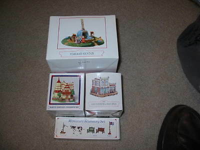 Liberty Falls - American Collection- 2 Houses, Starlight Fountain, Pewter AH52