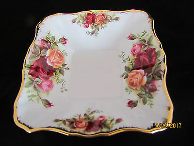 Vintage English Royal Albert Old Country Roses - 1st Quality Pin / Trinket Dish