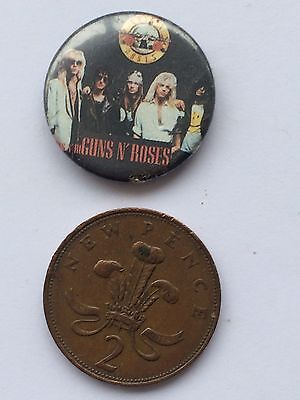 Small Guns N' Roses Pin Badge (see pics)