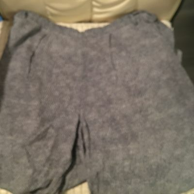 Branded Clothing , Ladies Three Quarter Trousers , Size 18 .