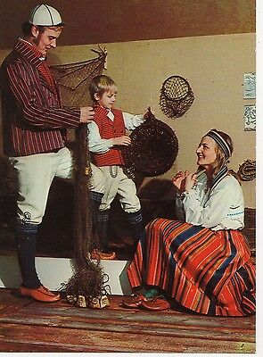 Finland - Native Costumes ~An Old Postcard (7G8)
