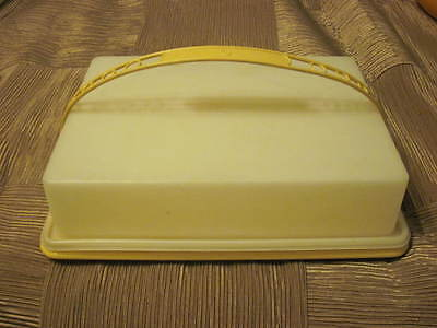Vintage Tupperware Cake Taker Carrier Harvest Gold Rectangular w/ Handle