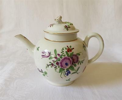 18TH C WORCESTER POLYCHROME PORCELAIN TEA POT HAND PAINTED WITH FLOWERS c1770-75