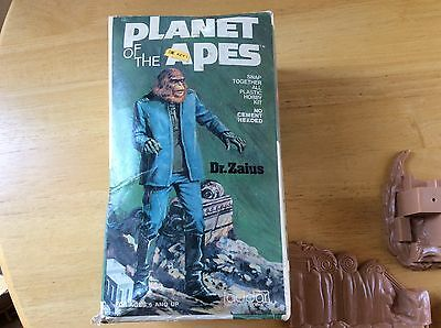 Vintage 1973 ADDER PLANET OF THE APES MODEL KIT No. 102 - DR ZAIUS Complete