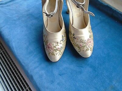 Antique wedding shoes; cream silk with Beauvais embroidery.  Tiny! 1920s