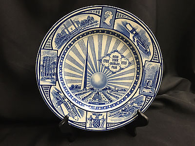Vintage 1939 NEW YORK World's Fair BLUE & WHITE Souvenir PLATE by J. G. MEAKIN