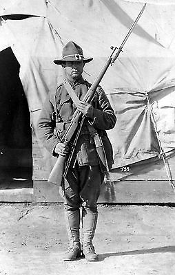 WW1 WWI US soldier - doughboy with arms at the ready