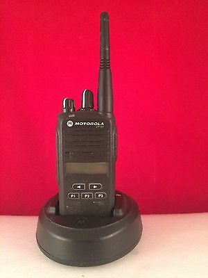 Motorola CP185 UHF Radio 16 Channels 435-480 Mhz With Charger