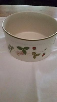 Wedgwood Wild Strawberry Oven to Tableware Souffle Dish