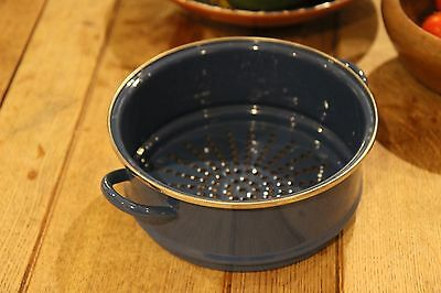 Le Creuset Blue Steamer tier basket dish Pan 22cm. Very Good condition