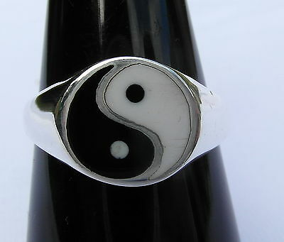 Sterling  Silver  (925)   Ying  Yang  Ring   !!       Brand  New  !!